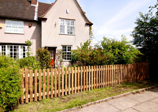 Picket Fencing - justfencingcheshire.co.uk
